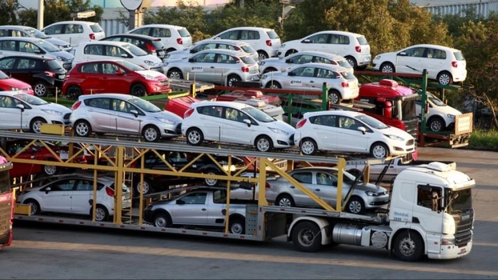 Công ty nhập khẩu ô tô